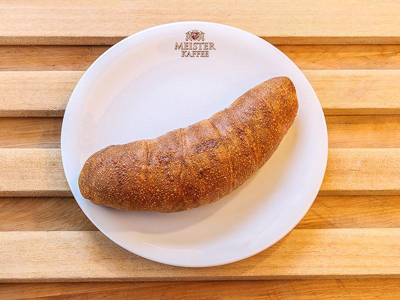 Wienerle im Laugenteig