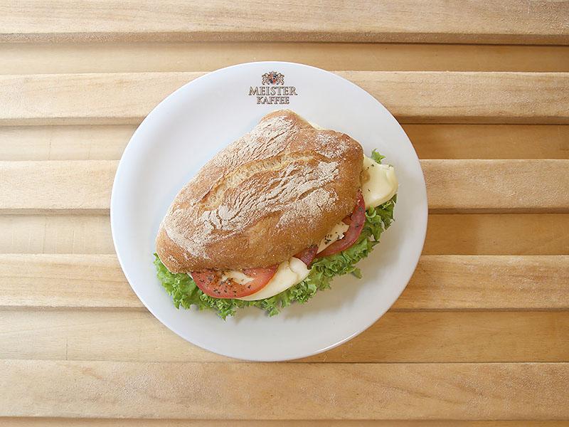 Tomaten-Mozarella Baguette