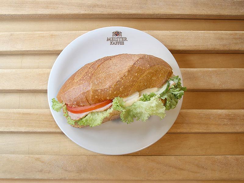 Baguette Sandwich mit Kasseler und Käse